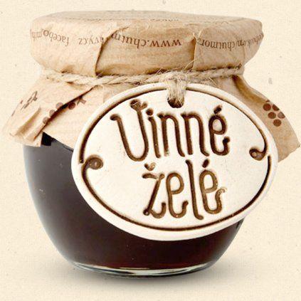 Geschmack von Mähren - Weingelee ist eine Delikatesse, die durch Gelieren von Wein unter Verwendung von Pektin und Zucker erhalten wird. 100 ml Chuť Moravy s.r.o.